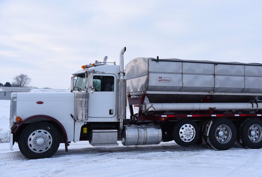 Brehmer 16′ Side Discharge Truck Mount Tender (569 CU FT)